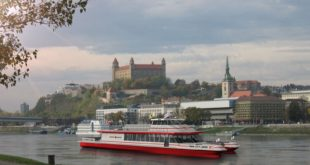 Twin City Liner - Bratislava c) Markant