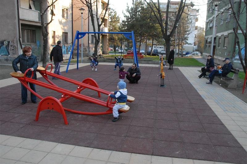 Dečje igralište - Novogradska