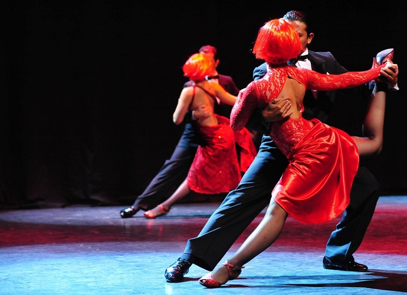 Tango in Red Major
