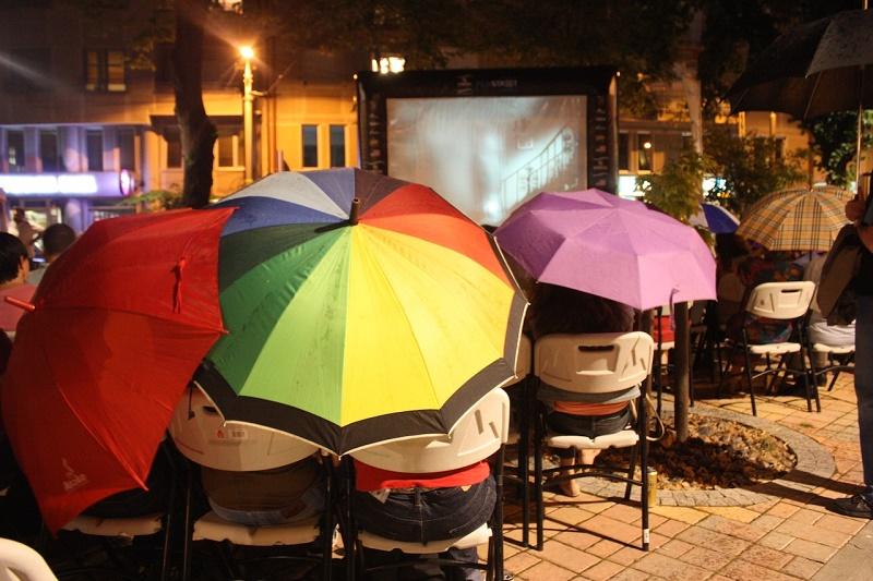 Filmstreet - i po kiši...