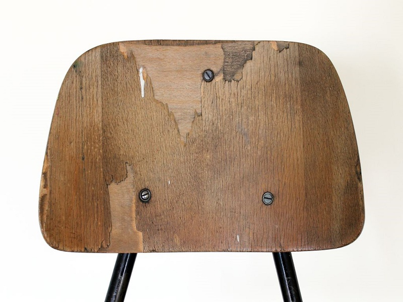 Milorad Mladenović - Školska stolica