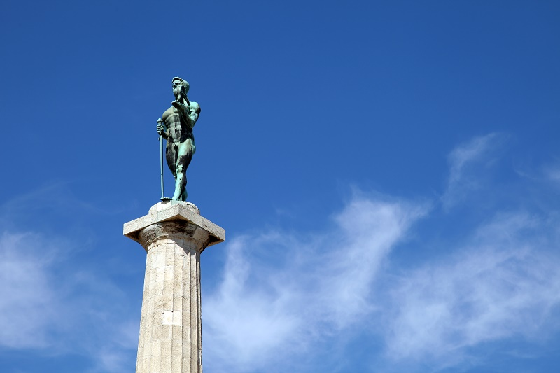 Spomenik Pobednik Na Istaknutom Mestu