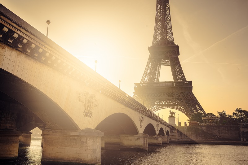 Pariz - avio karte od 169 € (Air Serbia)