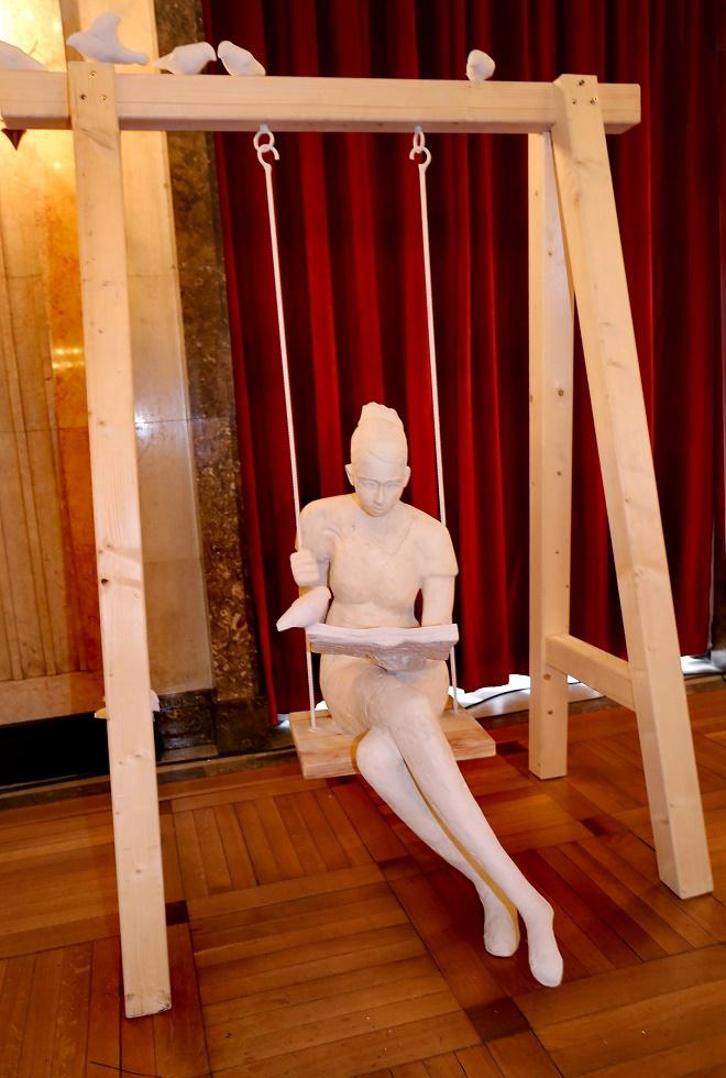 Beogradski čitač - skulptura Andrije Vasiljevića