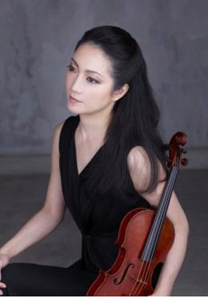 Akiko Suvanai (foto: Kiotaka Saito)