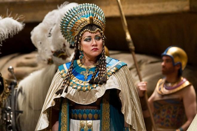 Metropoliten na bis: Aida