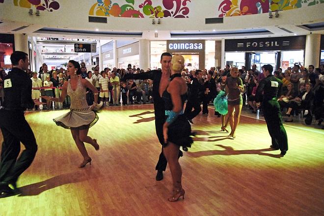 Takmičenje najboljih plesnih parova u Delta City-ju