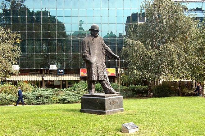Nušićevim Beogradom: Spomenik Branislavu Nušiću