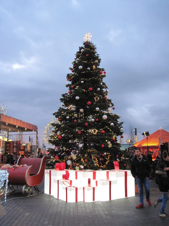 Belgrade Winter Magic na Savskoj promenadi