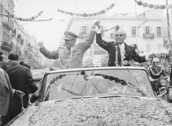 Tito u Africi: Tunis 1961 - Predsednici Tito i Burgiba na putu od pristaništa do rezidencije u Tunisu