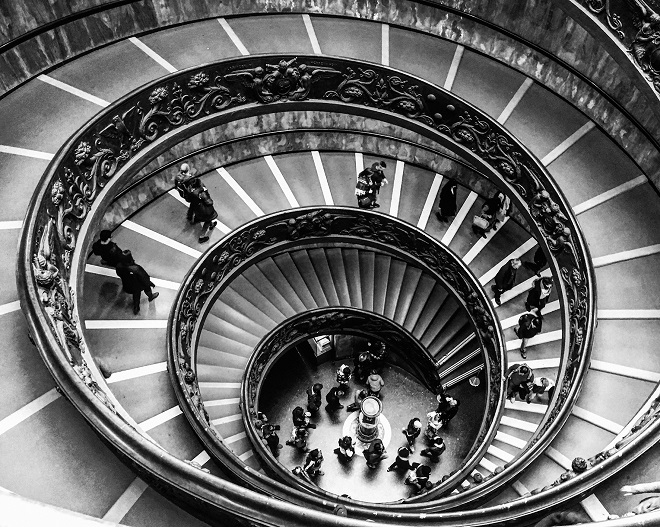Aleksandra Prhal - Stepenice u Vatikanu
