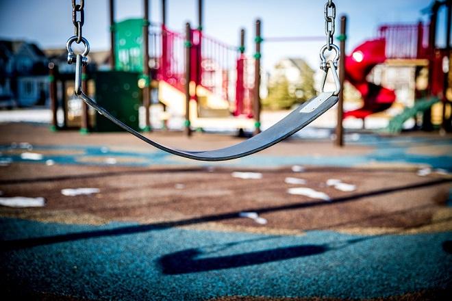 Uskoro novi pravilnik za veću bezbednost dece na igralištima