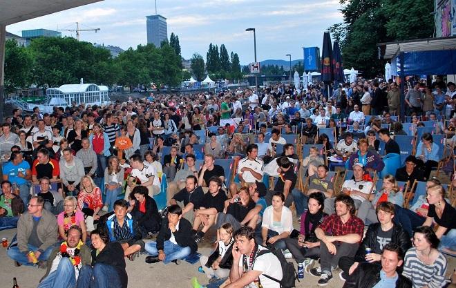 Srbija će imati najviše navijača u Beču © JockelWeichert / Buzzdriver