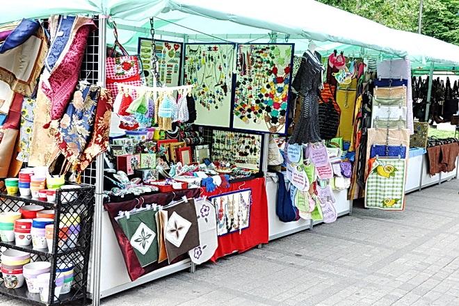 Bazar umetničkih rukotvorina