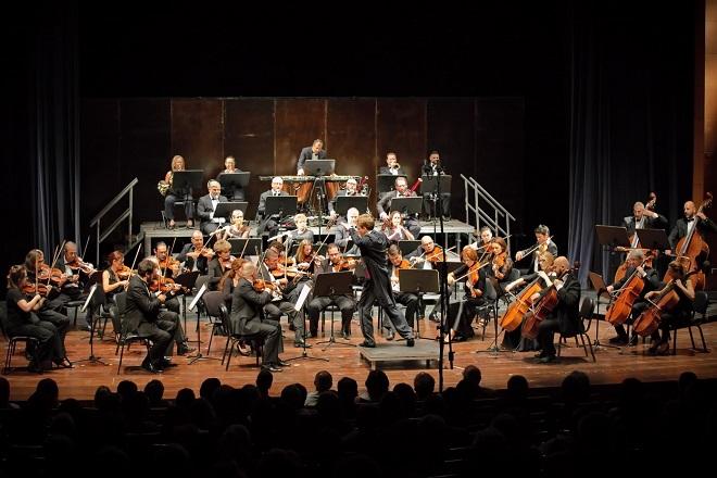 Kolarac tvoj svet muzike: Siprijan Kacaris i Kiparski simfonijski orkestar