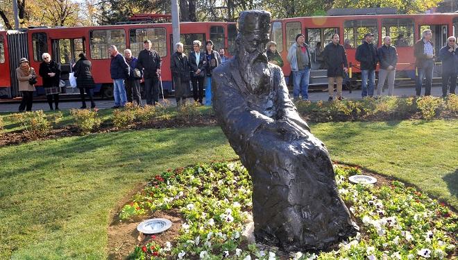 Spomenik patrijarhu Pavlu (foto: Predrag Mitić / Beoinfo)
