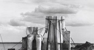 Umetnost iz Nemačke: Sibil Bergeman, Iz: Spomenik, 1975–1986. Foto: Bernd Borchardt © Nachlass Sibylle Bergemann / Ostkreuz
