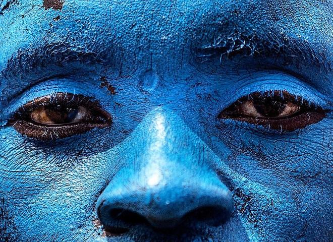 MAU: Fotograf Edvard Ešvalu - Plavo lice, politički pristalica; Uganda