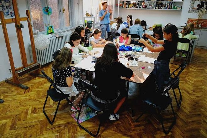 Škola modnog dizajna: Završna modna revija i izložba dece dizajnera