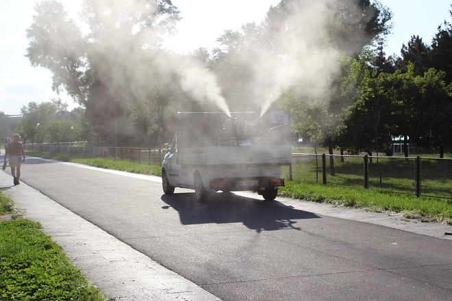 Zaprašivanje komaraca u Beogradu (foto: Beoinfo)