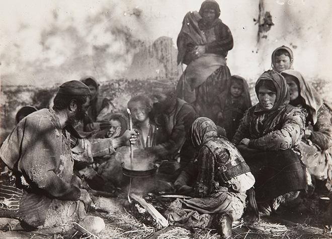 Galerija Artget: Pioniri ratnog foto-žurnalizma