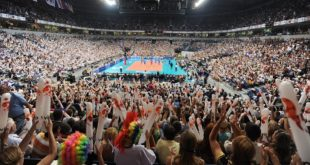 ČUVAJ SE, SVETE, PLAVE ČETE: Mogu li odbojkaši Srbije do evropske medalje?