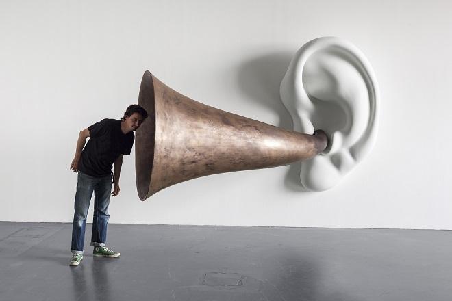 Izložbe u Beču: John Baldessari - Betovenova truba (sa uvom) Opus # 133, 2007 © John Baldessari / Timo Ohler