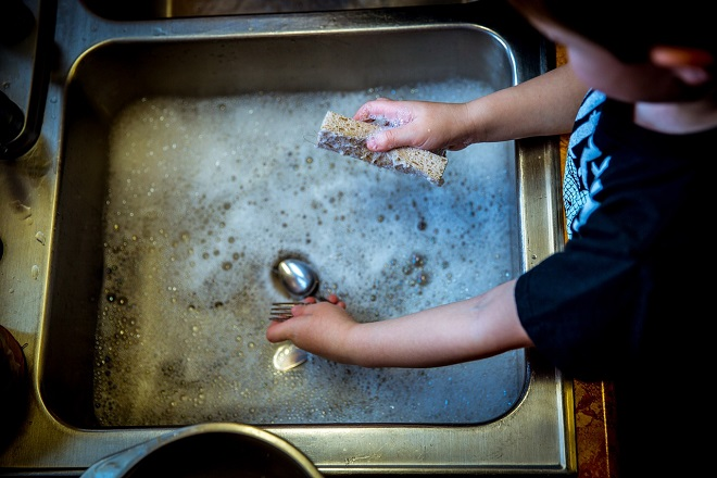 Šta raditi sa decom u (n)ovoj situaciji? (foto: Pixabay)