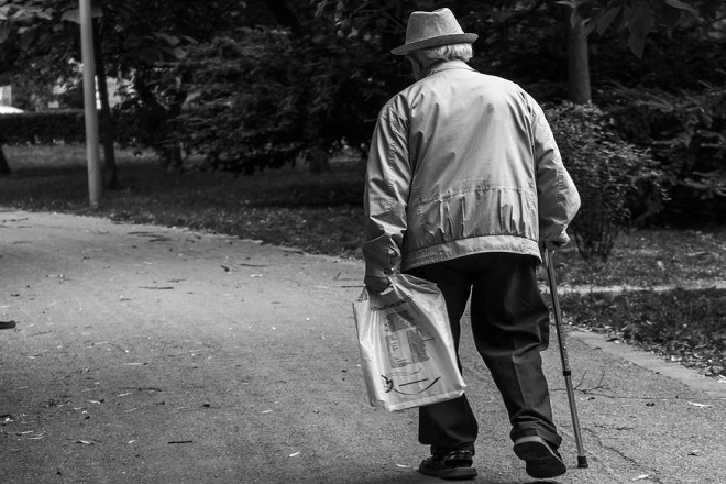 """Beleške jednog penzionera: Udruženje """"Jedan od pet hiljada"""" (foto: Pexels)"""