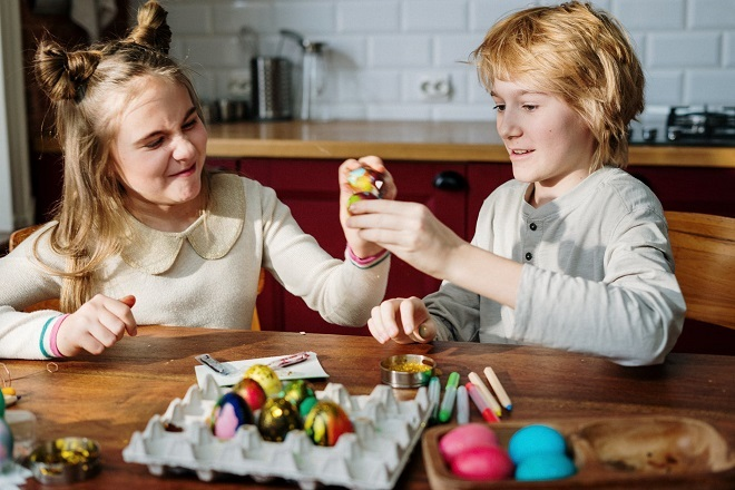 Zabava sa decom za vreme uskršnjih praznika (foto: Pexels)