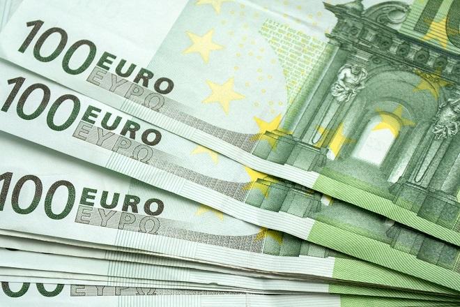 100 evra od države - bez imena i prezimena (foto: Pixabay)