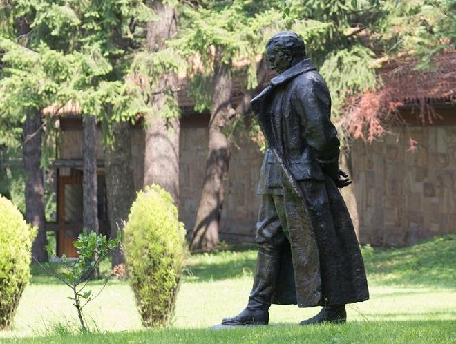 Park skulptura i kafe (foto: Relja Ivanić / Muzej Jugoslavije)