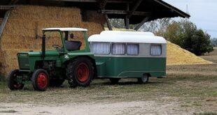Da li znate... da je austrijski par turista došao u Crnu Goru traktorom (ilustracija: Pixabay)