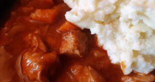 Teleći/juneći/goveđi/svinjski gulaš sa - čokoladom (foto: Dunja Filipović)