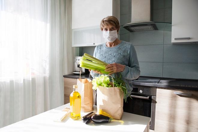 Isplata penzija (foto: Ulza / Shutterstock)