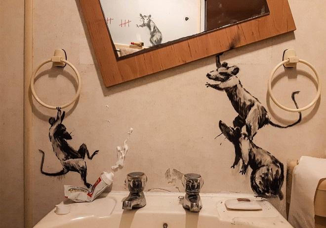 Fotografija kupatila koje je Benksi objavio na svom Instagram profilu ©BANKSY