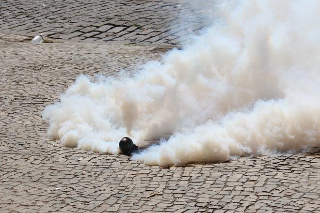 "Vučić: ""Brutalno političko nasilje""; pooštrene mere, bez policijskog časa (ilustracija: LuizSouza / Shutterstock)"