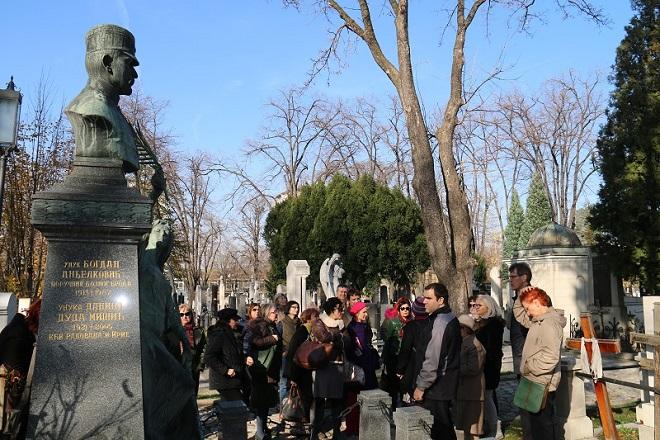 """Novo groblje (organizovano razgledanje; foto: JKP """"Pogrebne usluge"""")"""