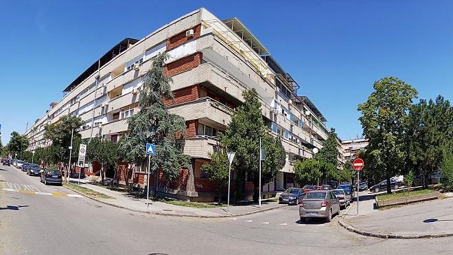 """Da li znate... da u novobeogradskoj zgradi """"Meandra"""" sa 62 ulaza živi oko 3.500 ljudi (foto: Nenad Mandić)"""