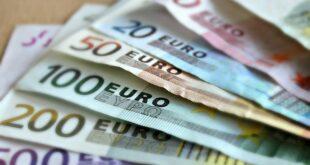 Da li znate... da su srpski carinici zaplenili neprijavljenih 5,5 miliona evra (foto: Pixabay)