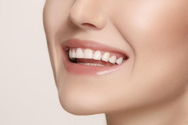 Zubni implanti: Zbogom, bezubosti