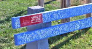 Letnje umetničko osveženje: MET klupe na šetalištu 25. maj