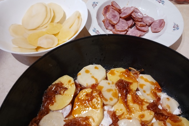 Recepti: Vojvođanski pekarski krompir (foto: Nenad Mandić)