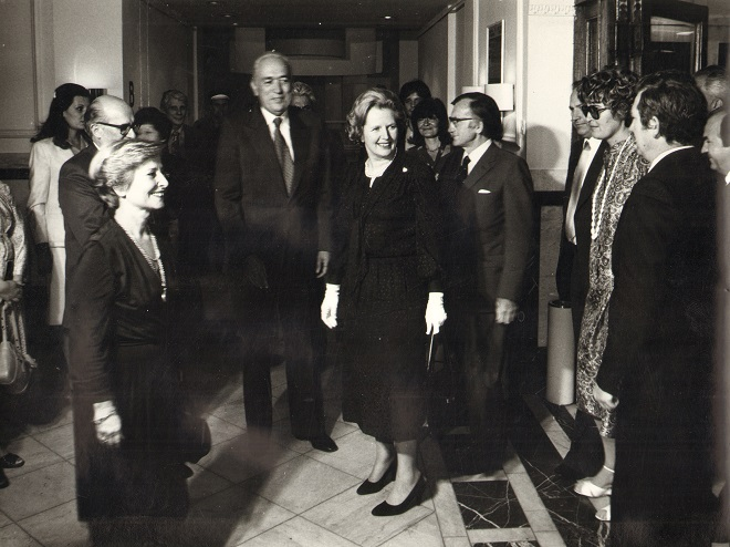 "70 godina MPU: Premijer VB Margaret Tačer na otvaranju izložbe ""Englesko srebro""; MPU, 24. 9. 1980."