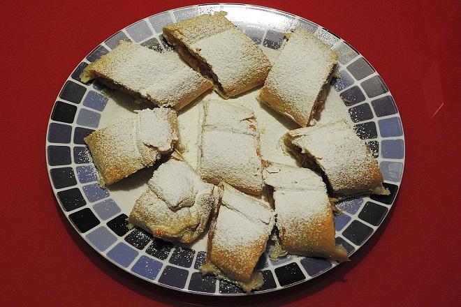 Recepti: Švajcarska štrudla sa šljivama (foto: Pixabay)