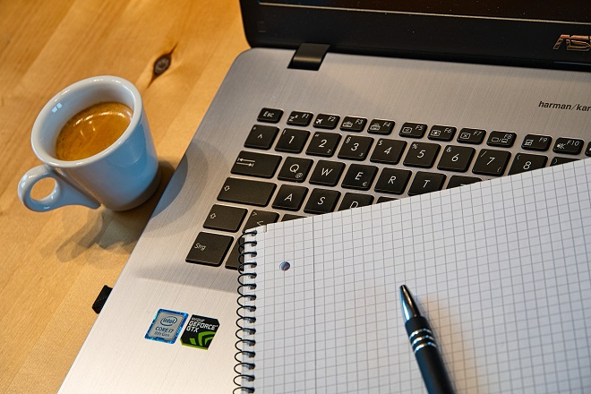 Vodič za bezbedan i zdrav rad od kuće (foto: Pixabay)