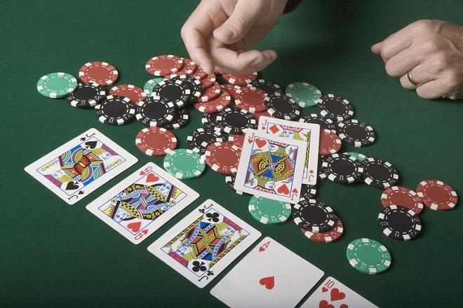 Najpopularnija pokeraška igra sada i u Srbiji POTPUNO LEGALNO