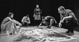 Pozorišni repertoari - mart 2021: Seks - umetnost - komunizam (foto: Aleksandar Danguzov / Bitef teatar)