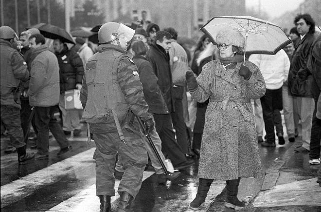 Foto: Goranka Matić: Miting SPS, 1996.