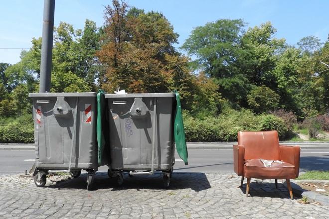 Gradska čistoća: Besplatno odnošenje kabastog otpada (foto: Jovan Milosavljević / Shutterstock)